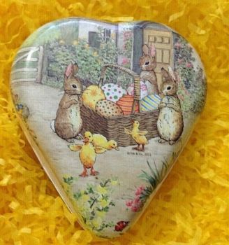 An Easter heart shaped gift box bunny Beatrix Potter Peter Rabbit family Vintage style 12 cm