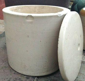 Antique Victorian Doulton Lambeth stoneware dairy butter crock pot with lid