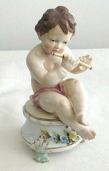 Antique porcelain ceramic cherub putti playing fiddle violin possibly German