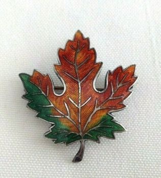 Vintage sterling silver Canada maple leaf P G S brooch pin