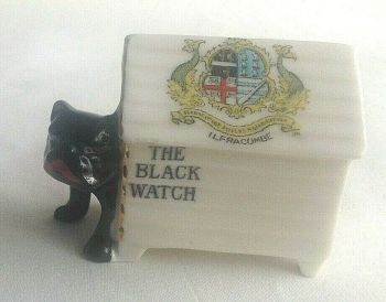 Antique WW1 crested china The black watch dog in kennel Ilfracombe crest
