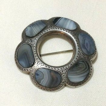 Antique Victorian Scottish grey agate sterling silver brooch pin