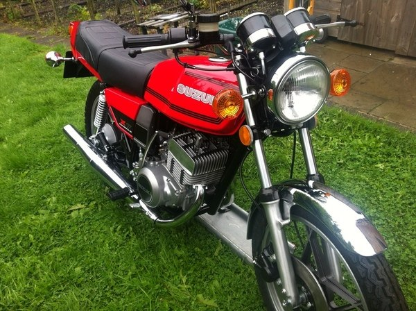 Suzuki GT250 X7 red tf2