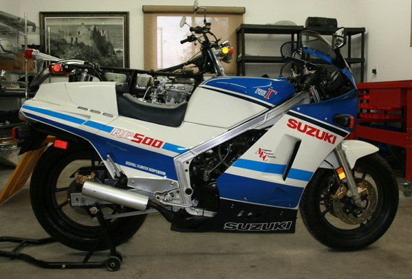 Suzuki Rg500 Gamma blue white rw2