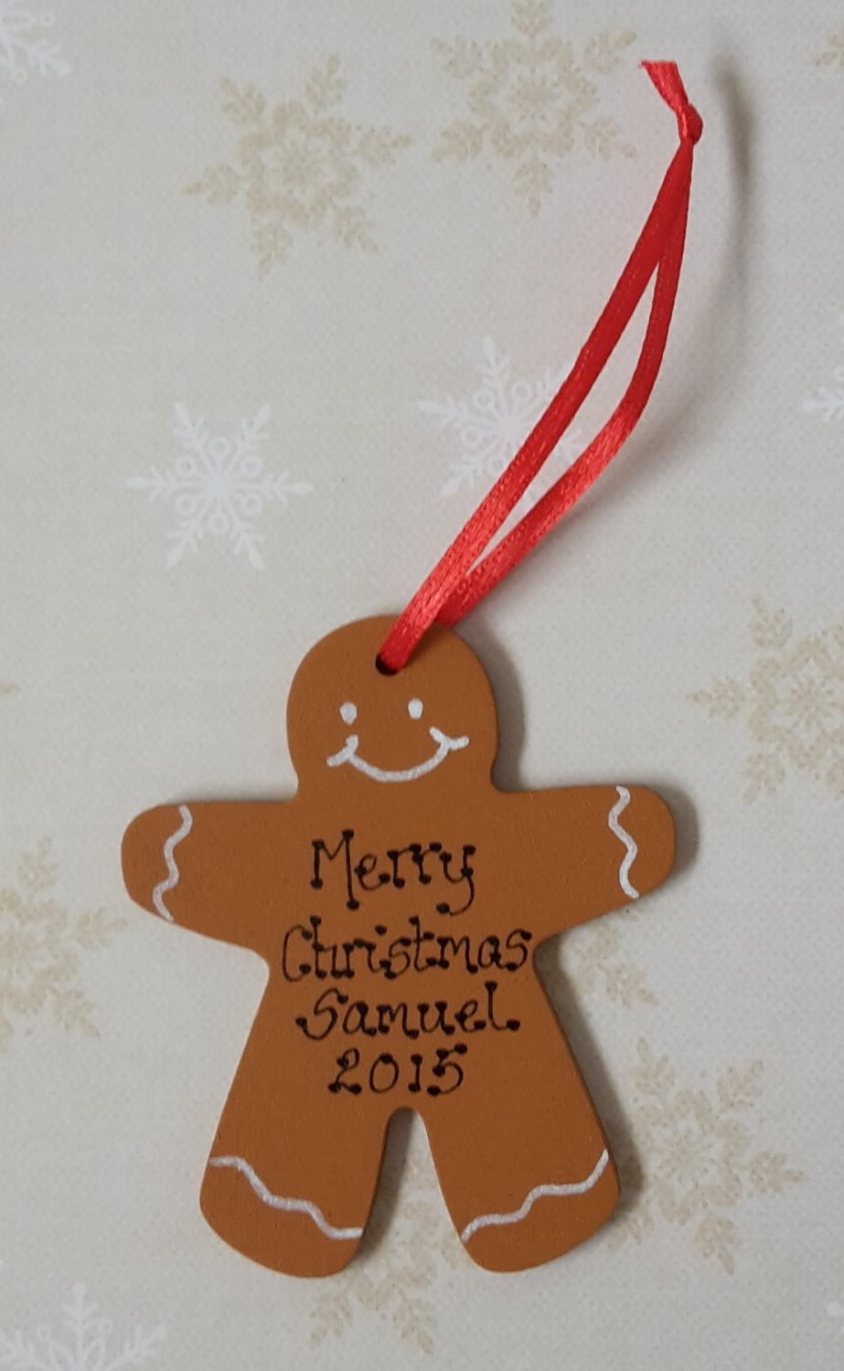<!-- 00001 -->Personalised mini gingerbread man shaped christmas decoration