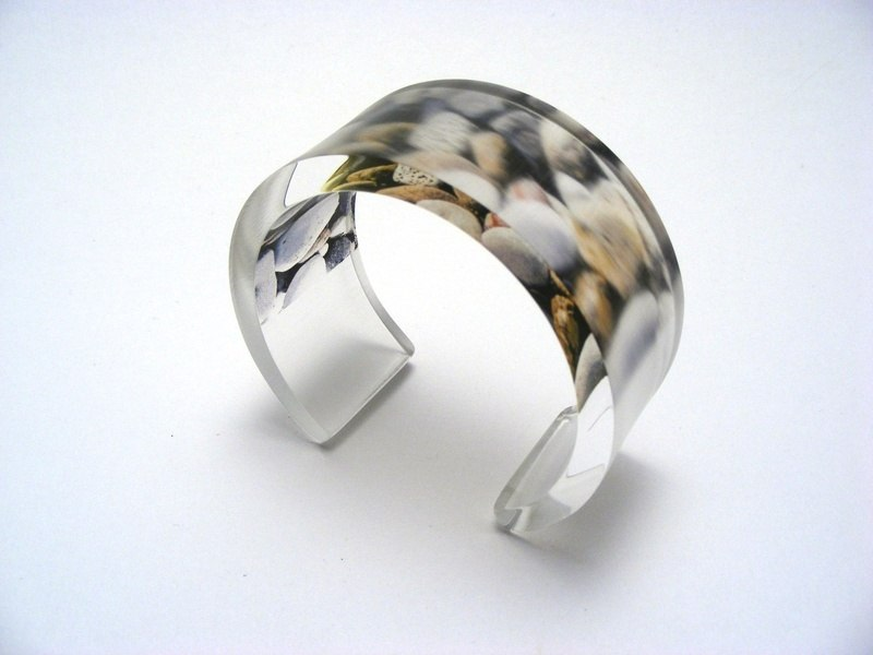 East Coast Pebbles Bangle 6x30 1