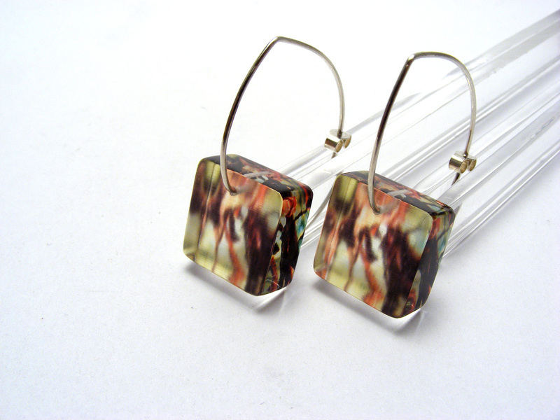 Leaves 6mm Sq Earrings Red Green Leaves