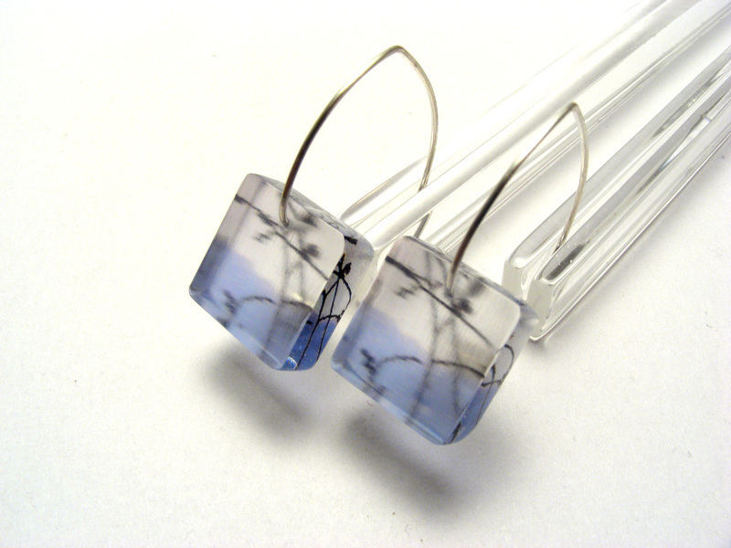 Look to the Sky 6mm sq earrings Blue Spring