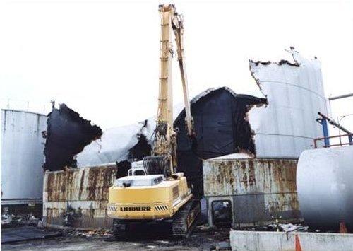 Oil Tank Dismantling 2