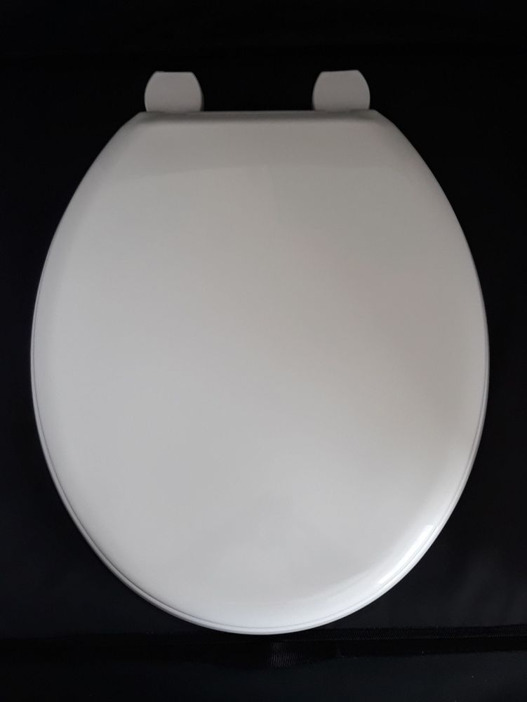 White Tecnoplast Plastic Toilet seat by RTS