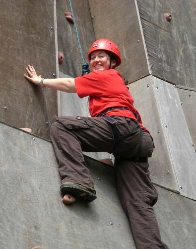 Charlotte abseiling
