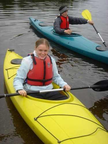 Victoria in canoe