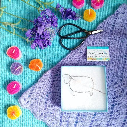 Tattysquawk Shawl Pin - sheep