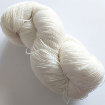 Undyed lace weight yarn