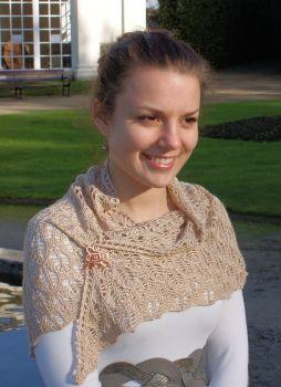 Carmen (hand-knitted shawl)