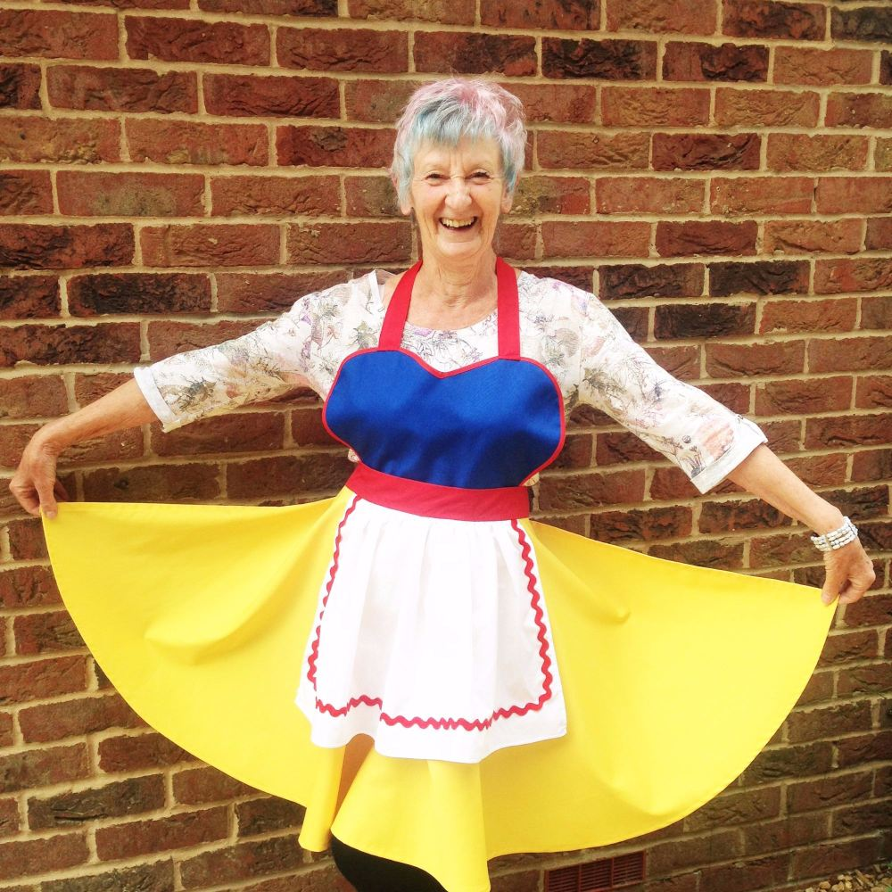 Snow white adult apron