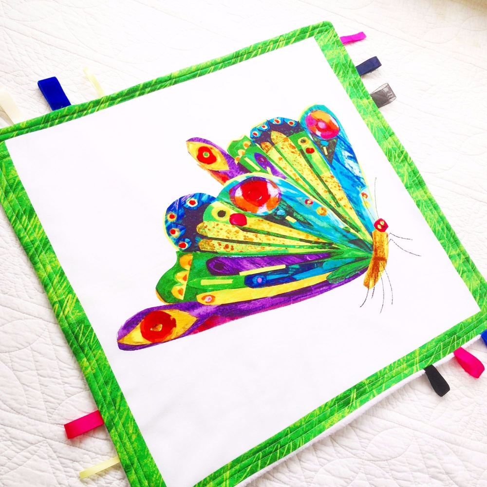 The very hungry caterpillar Large Taggy Blanket