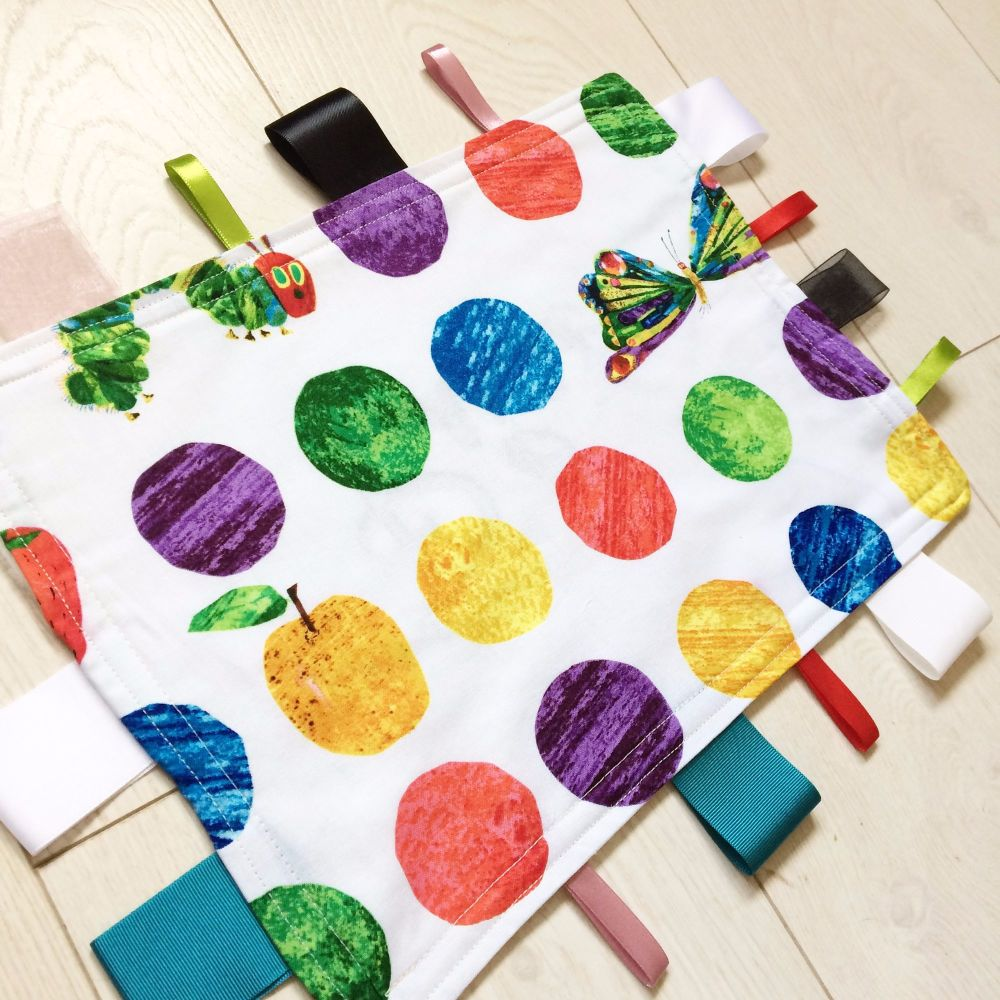 The very hungry caterpillar Taggy Blankets large spot