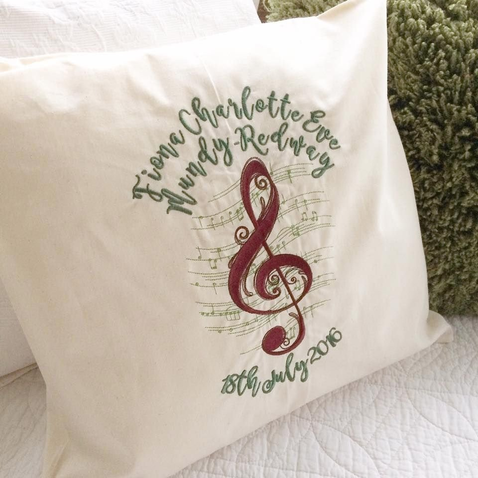 Musical notes cushion with fill