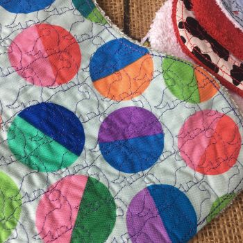 Bright circle embroidered Baby burp cloth shoulder cloth