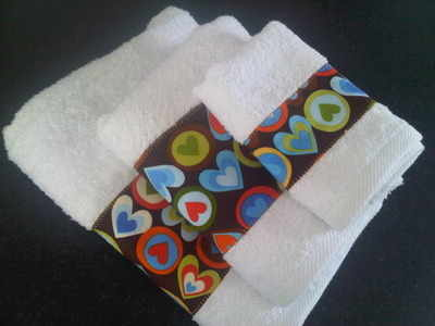 Retro Robert Kaufman brown hearts new baby towel gift set