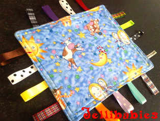 Hey diddle diddle nursery rhyme baby Taggy Blankets
