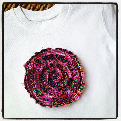 Vintage shabby flower applique  T shirt
