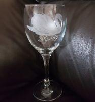 rolldove - wine glass - swan - lyndy
