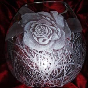 vase dart roses