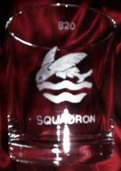 820 squadron badge