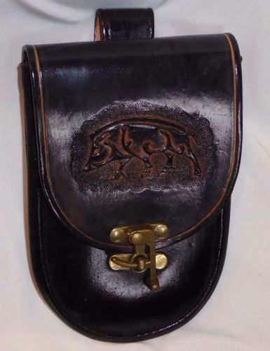lar tooled pouch 2