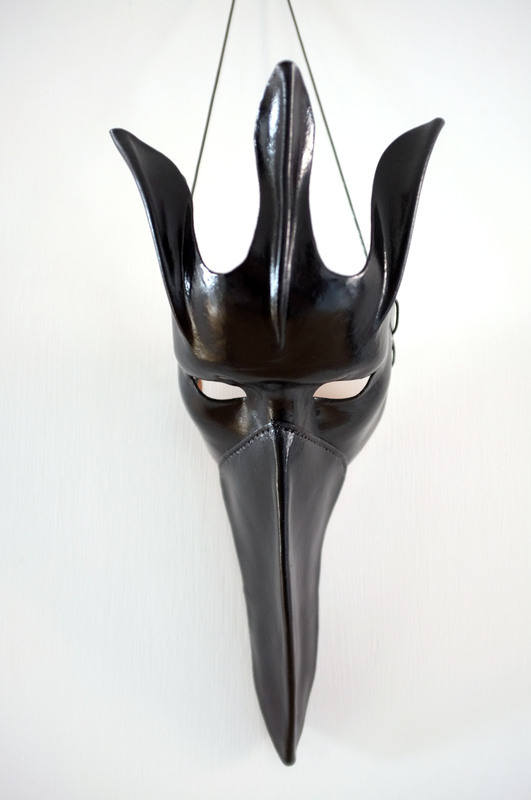 LEATHER MASK / LARGE CROW