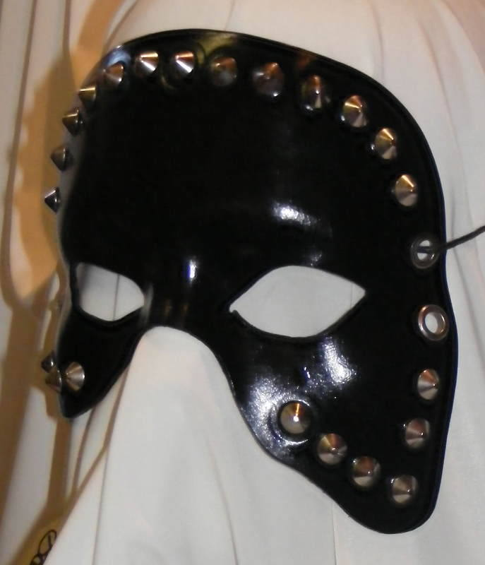 LEATHER MASK 16