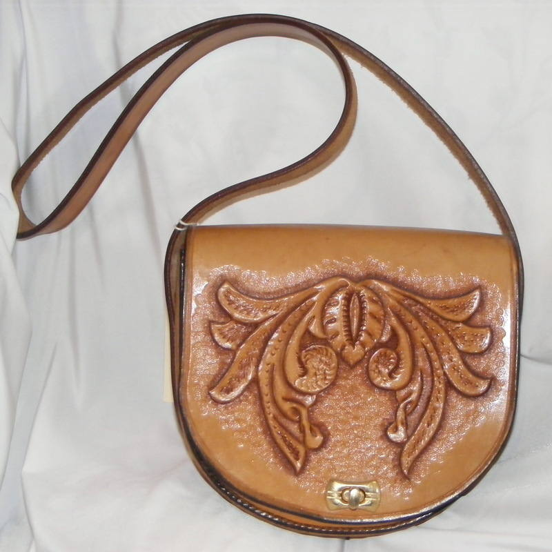 LEATHER HAND BAG 15