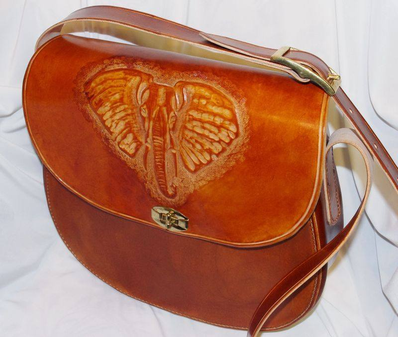 leather bag / elephant