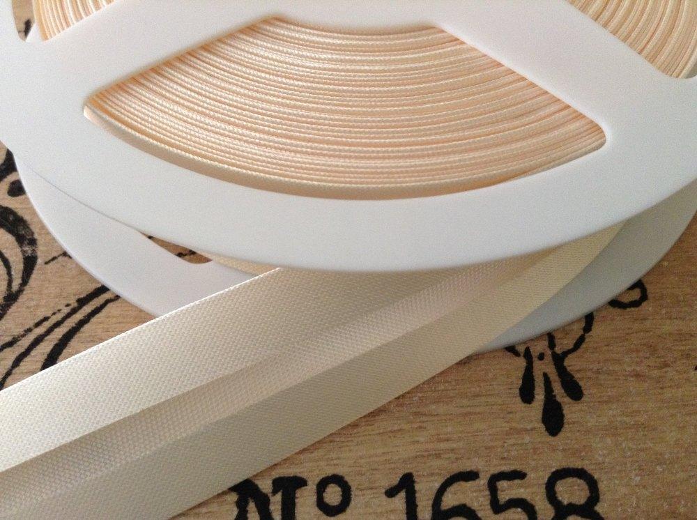 cream colour satin bias binding tape 3 metres x 19mm BB19/002