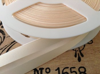 cream colour satin bias binding tape 3 metres x 19mm BB19/002