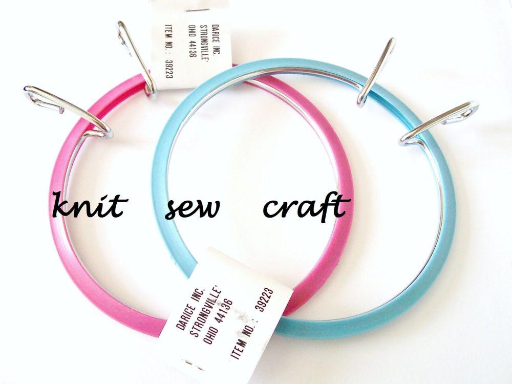 """Darice 3.5"""" Spring Tension Embroidery Hoop"""