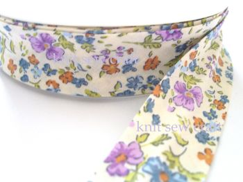blue lilac flower print cotton bias binding 25mm x 3mtr 1178