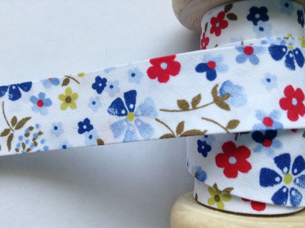 18mm reel of  bias fabric with blue red green flowers  7600/018