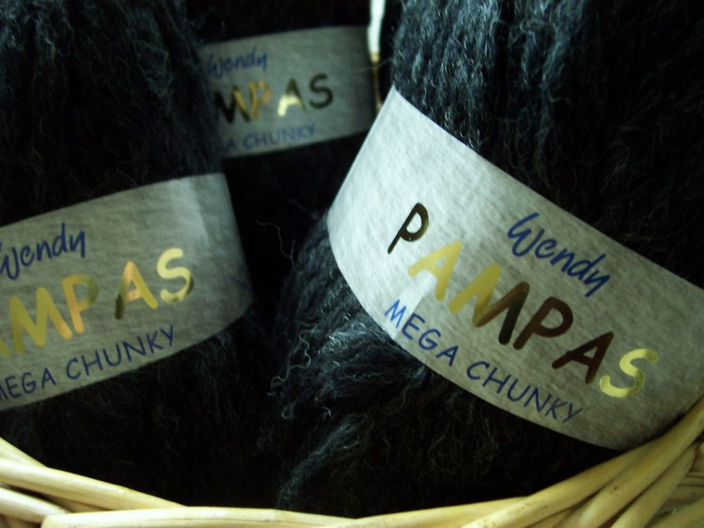 Wendy Pampas Mega Chunky Wool Black 2214
