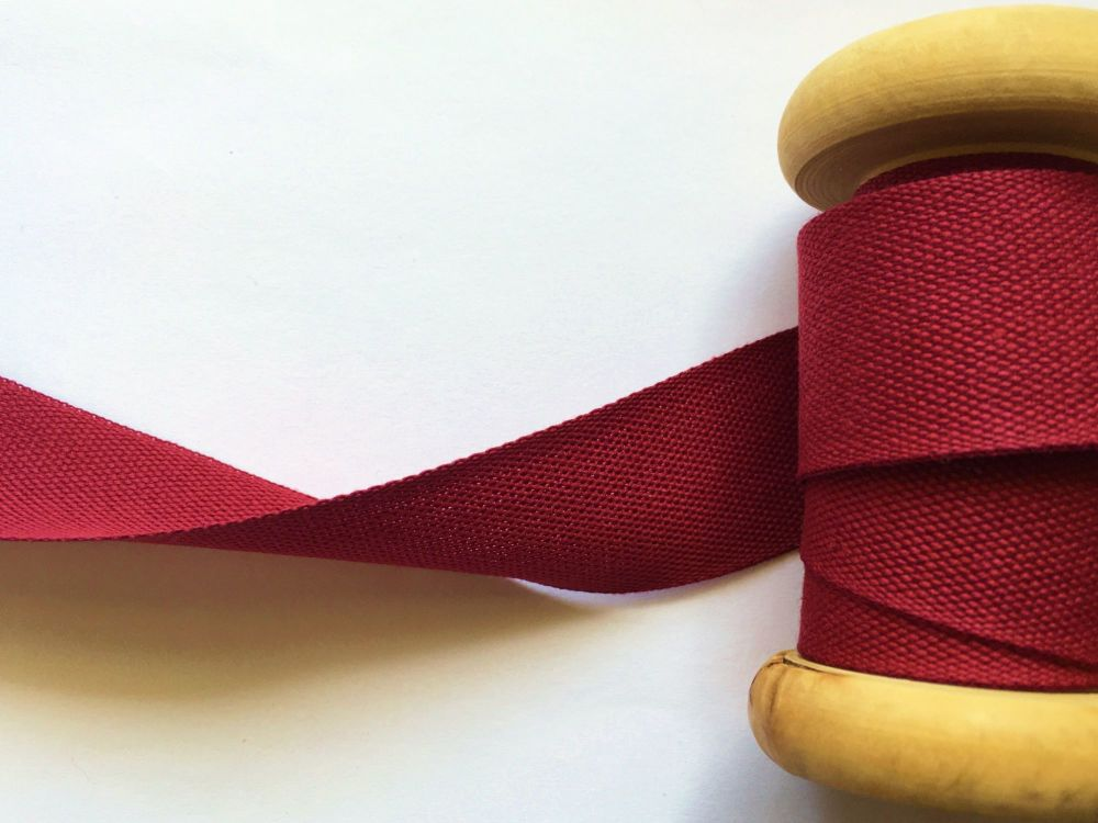 1 Inch Wide Coloured Cotton Tape Maroon Red 25 Metre Reel