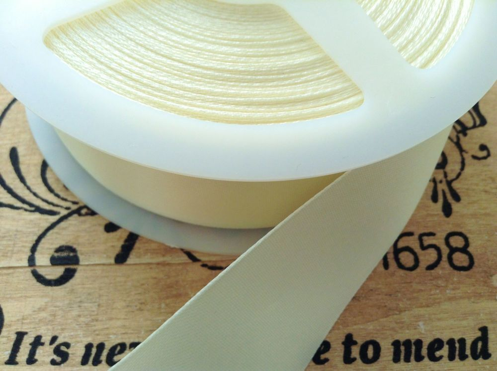 satin blanket binding ribbon 3 metres x 72mm (folded) CREAM CB14F/002