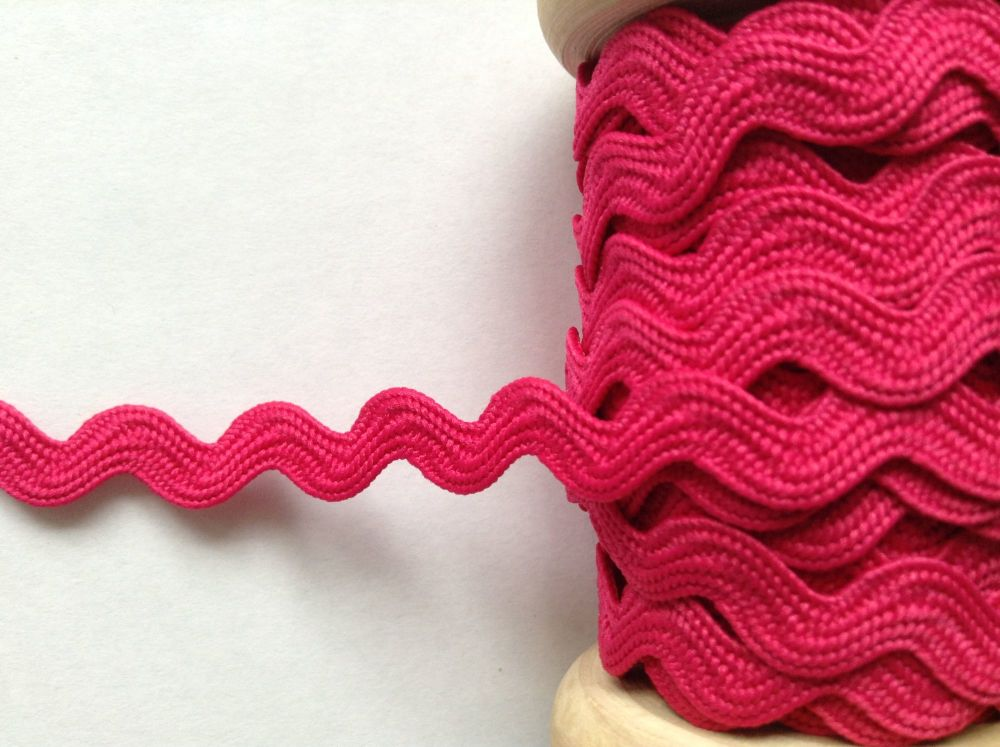 bright pink ric rac braid
