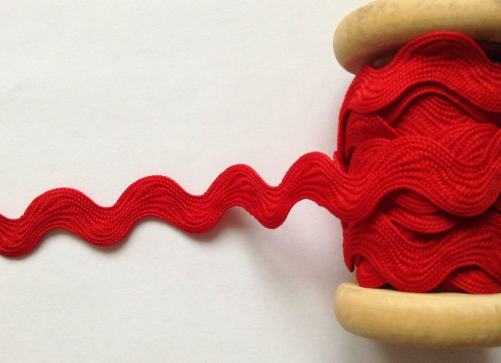 Large Ric Rac Trimming Braid Poppy Red Sold By The Metre