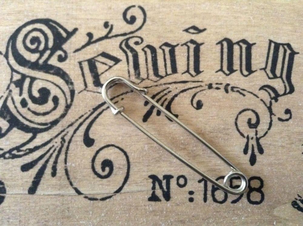 Kilt Pin for Tartan Fabrics Sewing Charms