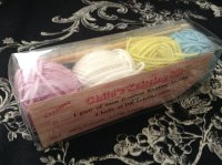 Knitting Kit Needles & 4 Balls of Wool