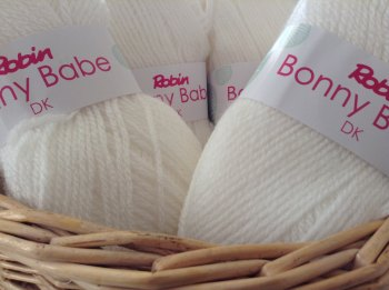 Robin Bonny Babe Double Knitting Wool 1360 White