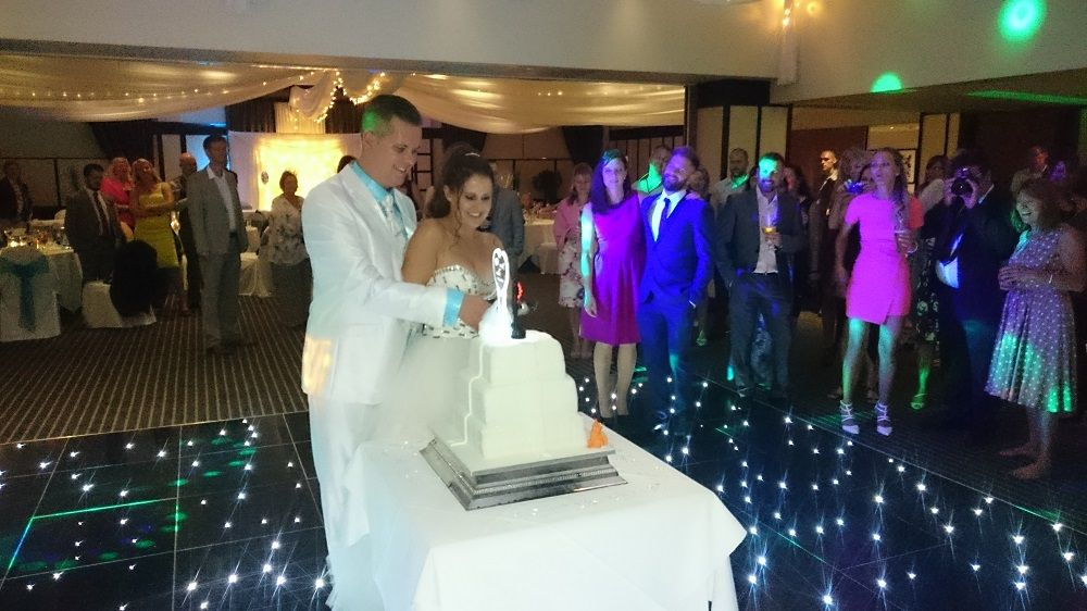 A1 mobile disco wedding couple in white