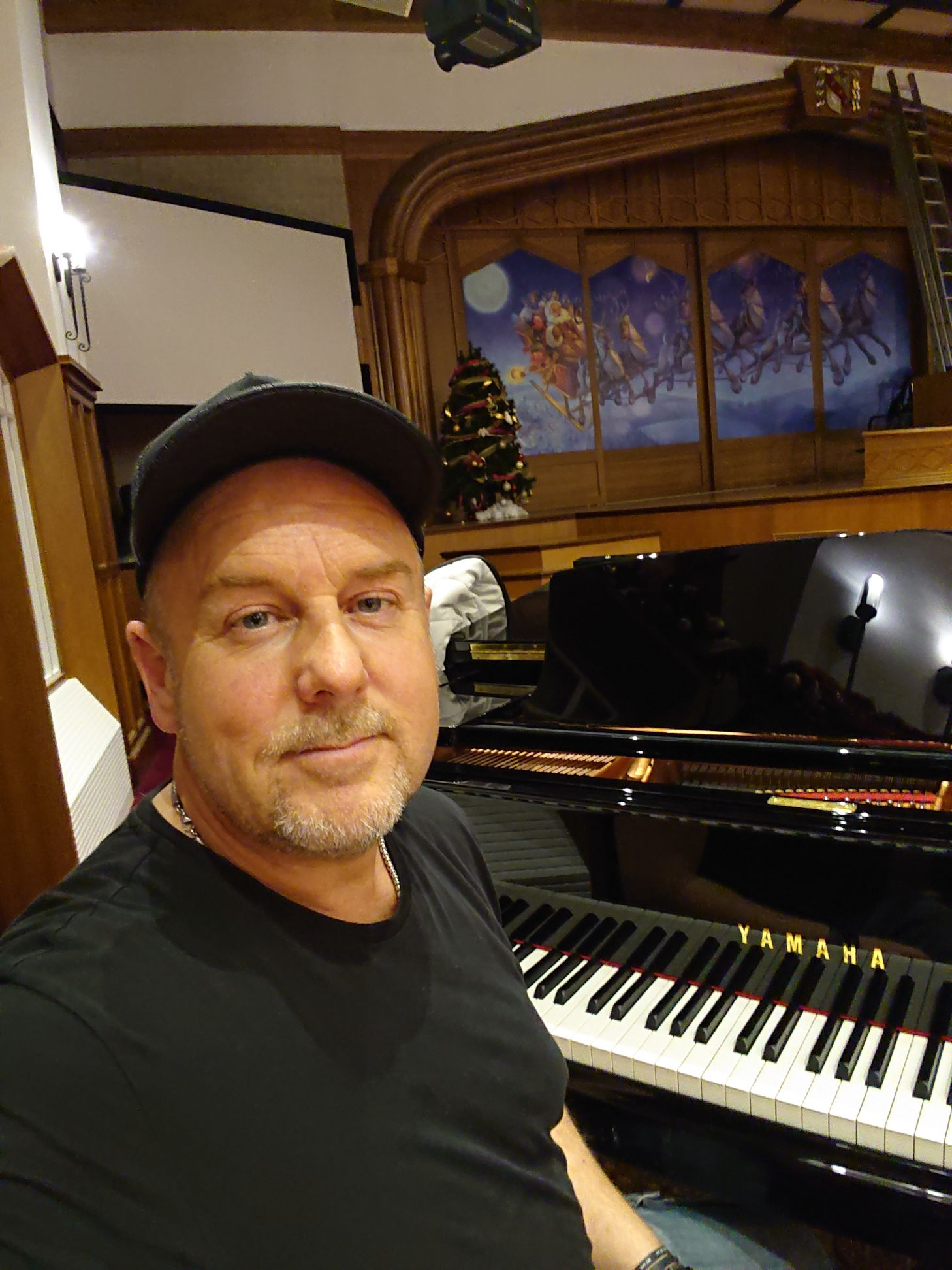 working on my piano and vocal set at Saint HillChristmas 2018